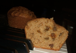 cinnamon-raisin-muffins1